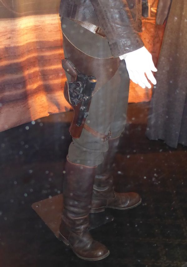 Star Wars: The Force Awakens Han Solo boots and blaster