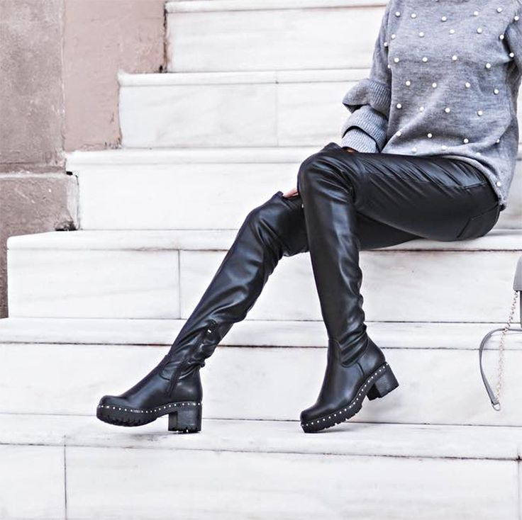 Sunday in #MIGATO MS9214 over-the-knee boots! Shop online ► bit.ly/MS9214-L14- Photo via @karinapapa