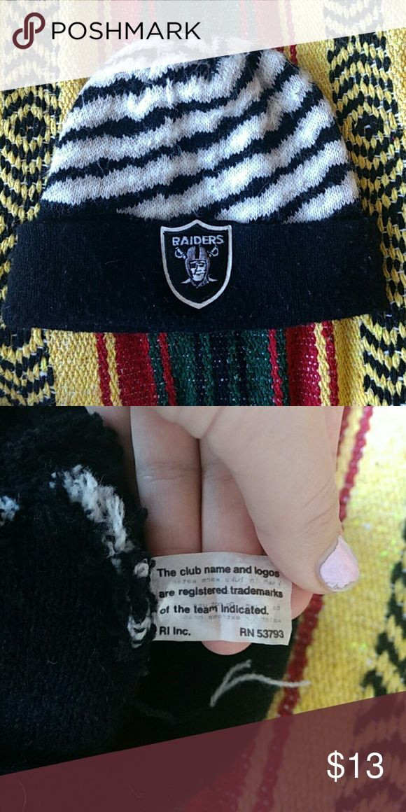 Raiders beanie Used, still great condition! Raiders Accessories Hats