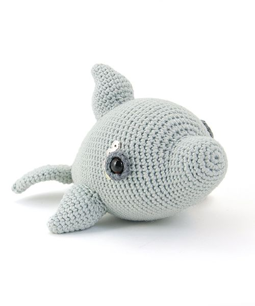 Doris the dolphin by Christel Krukkert from the book Zoomigurumi 4.
