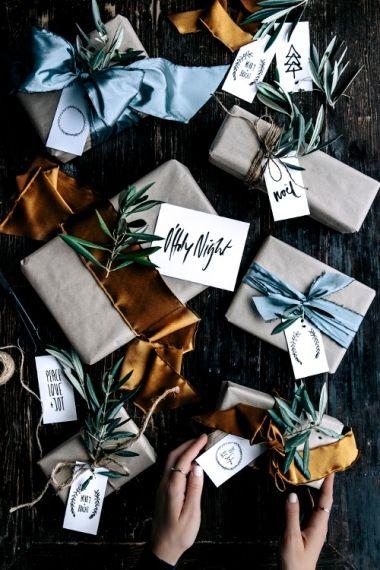 Free Christmas Printable Gift Tags & Place Cards