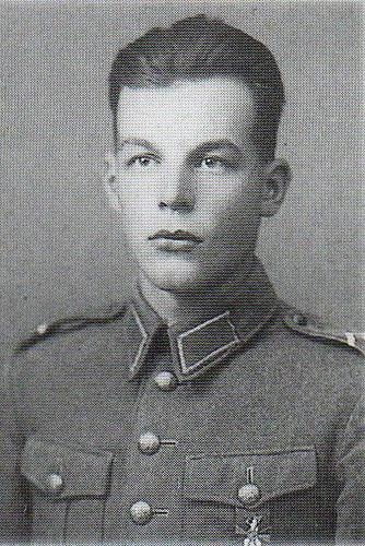 Paavo Korpi (1919-1941) Knight of the Mannerheim Cross No.34, awarded to him on Nov 13, 1941 for his actions July-Sept 1941. On July 14, he captured a quadruple AA machine gun that greatly hindered the attack. 5 days later he killed dozens of enemies with his submachine gun. On September 6, he killed 20 enemy soldiers single-handed, and took 40 prisoners, clearing the way to the platoon's objective. The following day he captured an armored car and used it to clear the way to the Svir river.