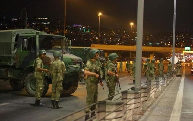 Turkish military block access to the Bosphorus bridge, which links the city's European and Asian sides, in Istanbul, Turkey, July 15, 2016. Reuters