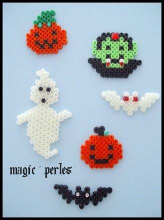 Décoration réalisé en perles hama. Plusieurs motifs au choix avec strass. Fantômes et chauve-souris s'illumine dans le noir. Pour plus de frissons!!!!! - 5339677