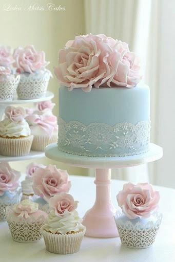 Rose cakes- so pretty and feminine!