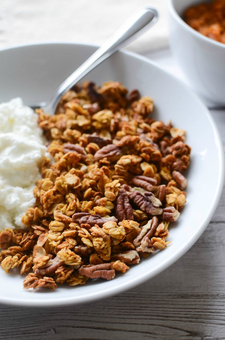Pumpkin Spice Granola recipe - crunchy and delicious! Perfect for breakfast or a healthy snack!