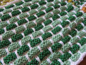 Jeg elsker dette strikkemønster! Det  får alle farver til at tage sig allerbedst ud. Det er som at male at  kombinere farverne.      Det er...