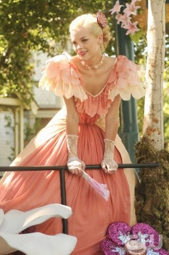 """Parades and Pariahs""-- Pictured Jaime King as Lemon Breeland  in HART OF DIXIE on THE CW. Photo Credit: Michael Yarish /The CW©2011 The CW Network, LLC. All Rights Reserved."