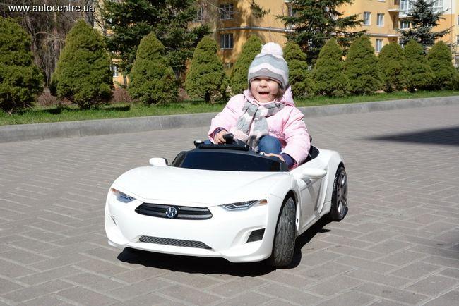 Awww cute baby in her Broon F8!!