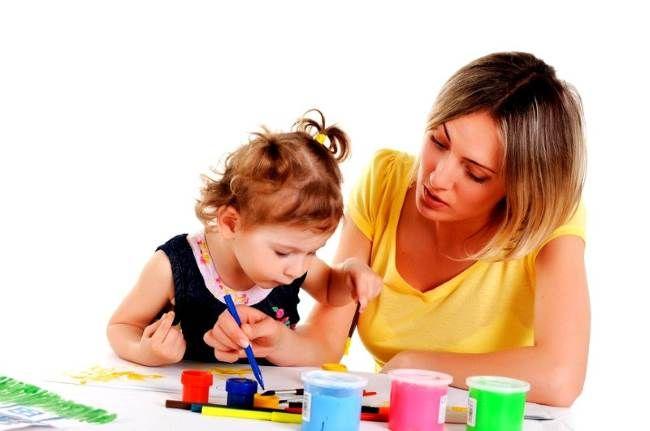 Хорошая няня – востребованный специалист Хорошая няня – востребованный специалист – преподаватель с первых лет жизни даст малышу основы рисования, пения, языков, грамматики. Это замечательный вариант помощницы в семьях с высоким достатком. Имея такого домашнего педагога, дети легко справляются со школьными нагрузками. Во время первого собеседования с соискательницей нужно выяснить методы обучения и модель взаимодействия с учеником.
