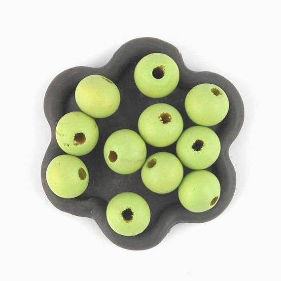 x50 Perle en bois verte  10mm  (38C)