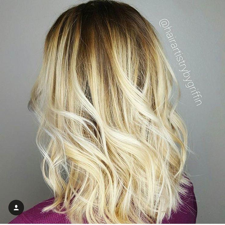 Rooted blonde  Get the look with Griffin • @hairartistrybygriffin  at #DaversaSalon  📞:562-795-5885   _____________________________________________  #longbeach #longbeachcalifornia #csulb #lbc #lb #hb #oc #sealbeach #pch #ochair #lahair #haircut #hair #instahair #modernsalon #hairdressermagic #btc #btcpics #costamesa #yelp #google #instahair #besthair #bestsalon #balayage #ombrebalayage #blondehair