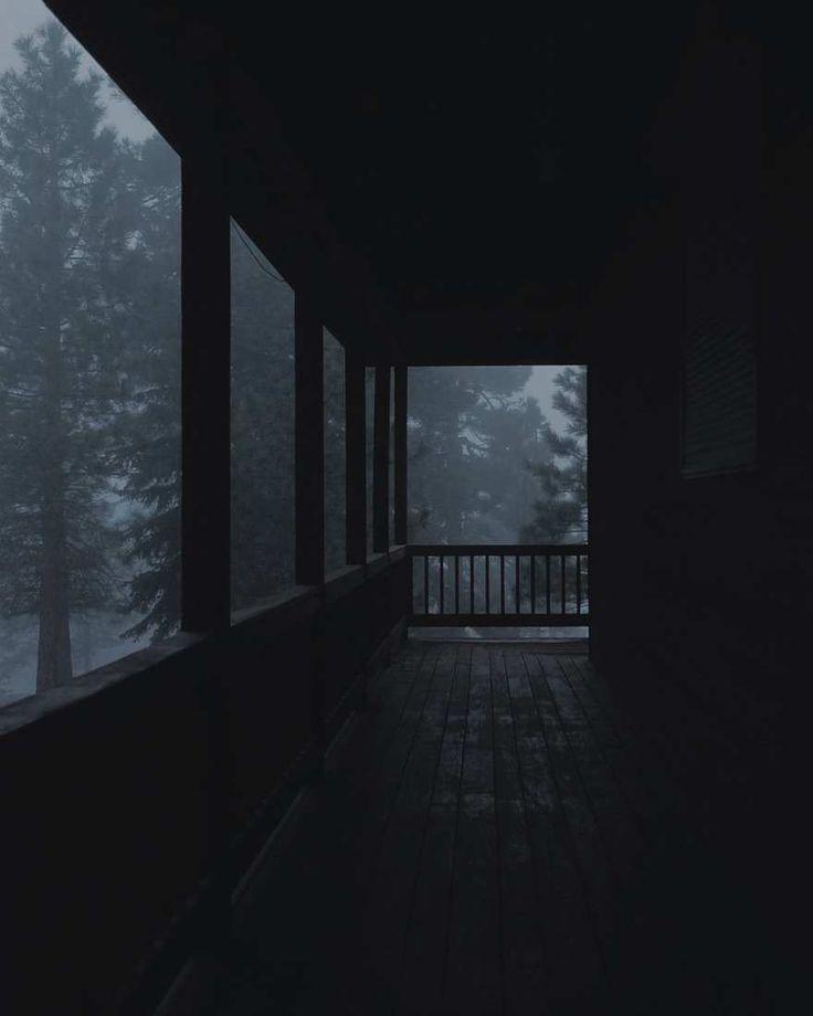 Geheimnisvolle Fotografie bei schlechten Lichtverh…