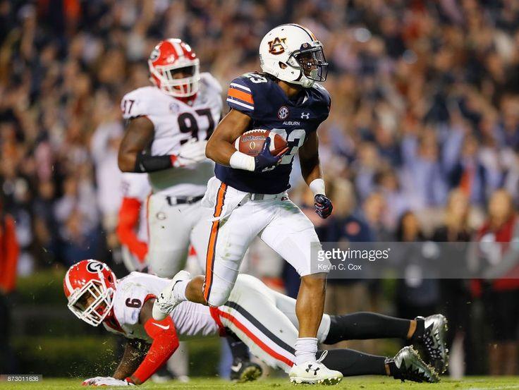 Georgia v Auburn : News Photo