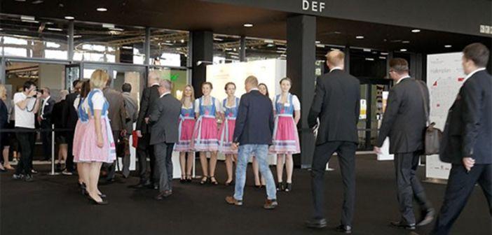 BRANCHENNEWS: küchenwohntrends und möbel austria  http://www.wohnendaily.at/2017/05/kuechenwohntrends-und-moebel-austria/?utm_content=buffer81212&utm_medium=social&utm_source=pinterest.com&utm_campaign=buffer