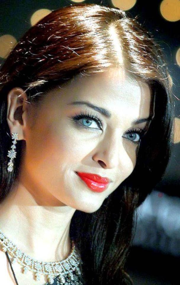 Aishwarya Rai beauty personified.