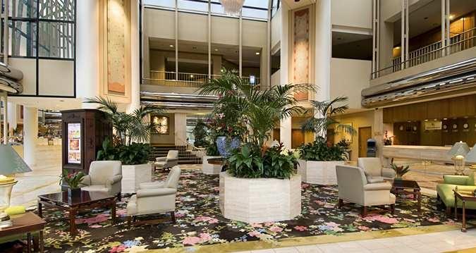 Hilton Los Angeles/universal City, Ca - Lobby Seating Area