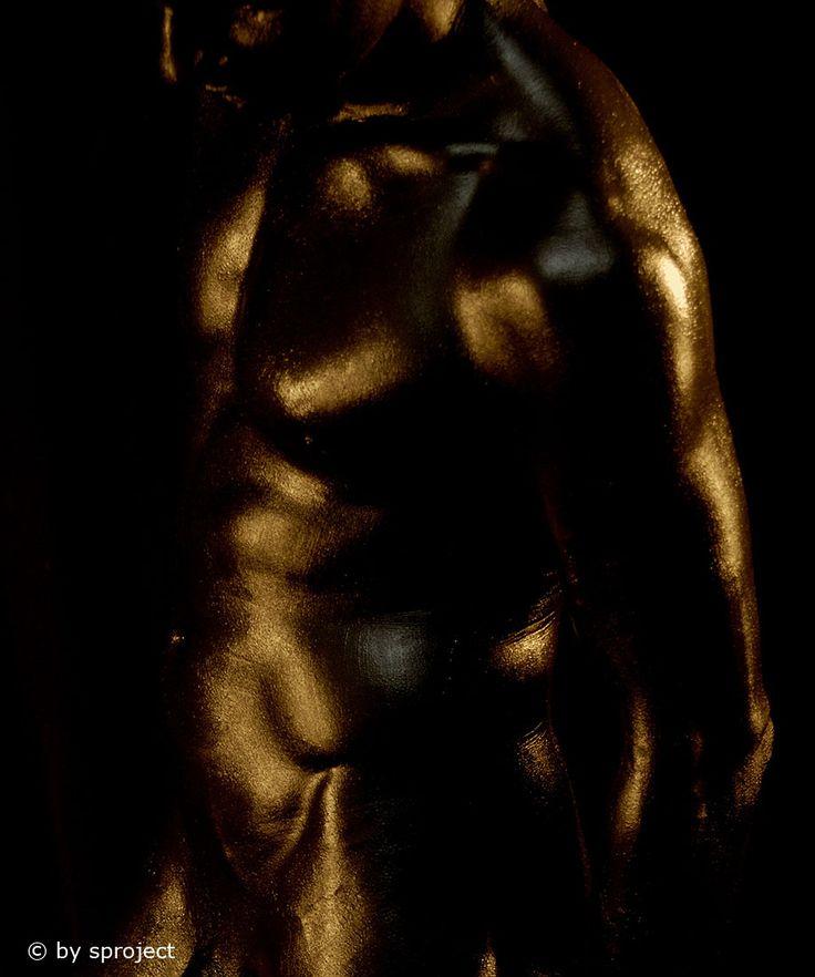 rainbow: gold  © by sproject.de  #male #art #maleart #lowkey #studio #photography #rainbow #gold #bodypainting #gay #gayart #fineart #fine-art #sproject #2004