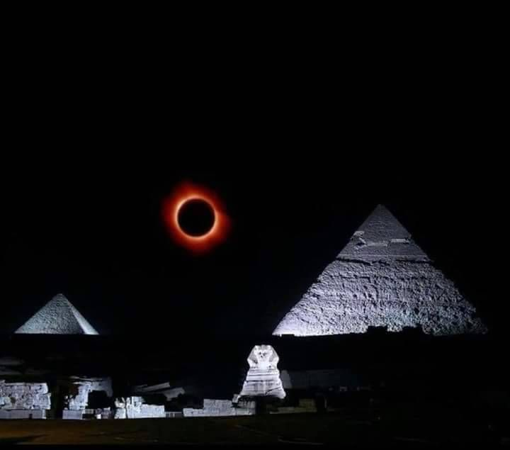 Lunar Eclipse Over Egypt 2018 Credit For Photos Goes To Mo Hamam