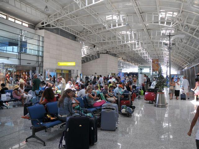 Elmas, ad agosto 2017 record storico di viaggiatori: 1,1 milioni di passeggeri