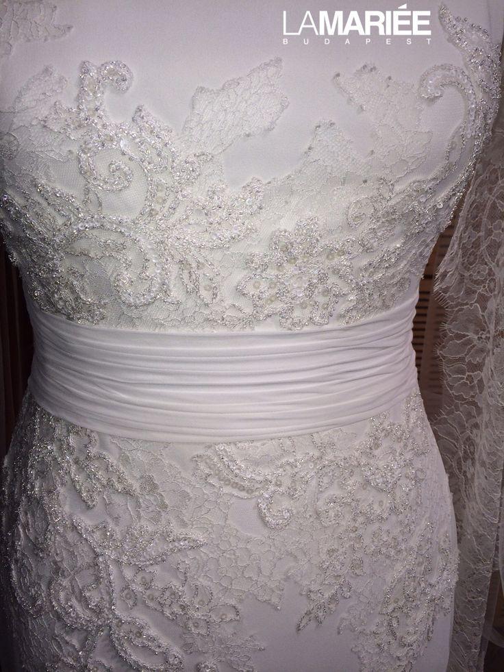 Muszlin esküvői ruha http://lamariee.hu/eskuvoi-ruha/pronovias-pre-collection-2015/belwe