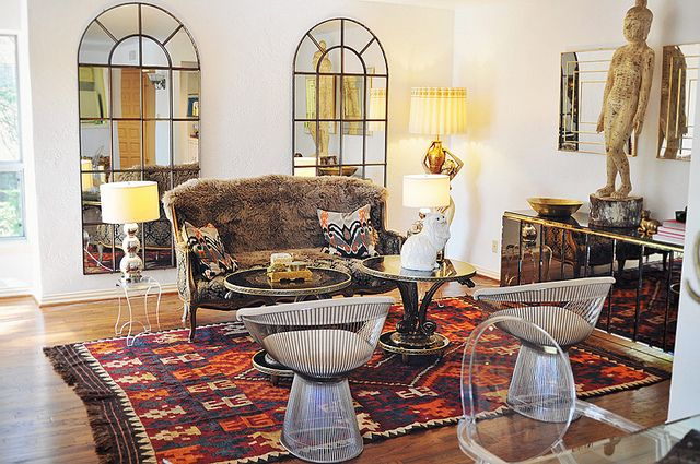 The rug. everything, really.: Decor, Living Rooms, Sea Of Shoes, Style, Chairs, Interiors, Jane Aldridge, Apartment, Window Mirror