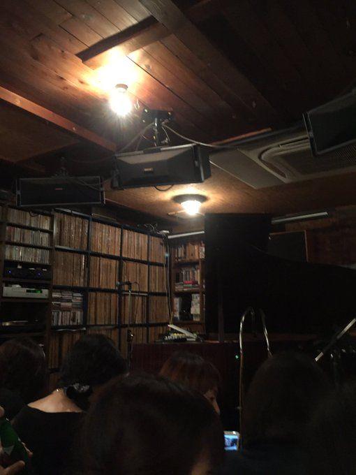 シュローダーヘッズ ライブ終了(^o^)/  こんなに近距離でシュンスケさんのピアノを聴ける幸せ