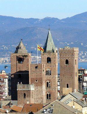 Torri di Albenga - la #Liguria che amiamo #essenzadiriviera.com