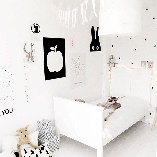 Black & white for a kids room