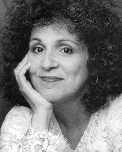 Carol Ann Susi, Born: 1952-02-02 - Died: 2014-11-11; Carol Ann Susi was an actress known for being the voice of Mrs. Wolowitz on The Big Bang Theory. She also appeared in Coyote Ugly; Just Go with It; Becker; Grey's Anatomy; That '70s Show; Out of Practice; Cats & Dogs; Just Shoot Me; Married… with Children; The King of Queens; Death Becomes Her; Seinfeld, and many others.