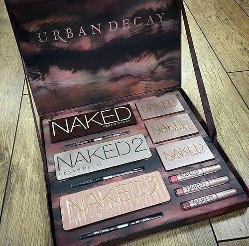 #urbandecay #naked #palette #basics #lip #shadow #money #naked2 #naked3 #love #amazing #perfect #expensive #makeup