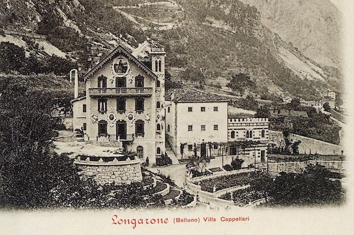 Villa Cappellari, a Longarone, si è salvata (cartolina di Pompeo Breveglieri del 1901)