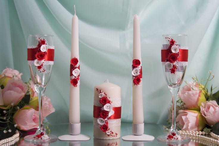 Комплект атрибутов ручной работы с розами из пластики- бокалы и свечи семейного очага - для свадьбы в красном цвете. #свадьбы #атрибуты #бокалы #семейный очаг #красный #ручная_работа #soprunstudio