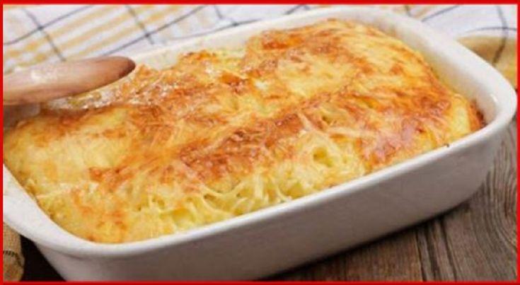 Încă nu ați gustat ceva mai gustos decât această budincă! INGREDIENTE: -500 g de cartofi; -100 g de ceapă; -500 g de ciuperci Champignon; -400 g de piept de pui; -100 ml de lapte 0.5%; -50 ml de smântână pentru gătit 10%; -100 g de cașcaval; -20 g de făină. MOD DE PREPARARE: 1.Spălați, uscați și tăiați pieptul de pui în bucățele. Prăjiți-l pe o tigaie uscată (cu suprafață antiaderentă) până se va albi. 2.Transferați carnea pe o farfurie și, folosind aceeași tigaie, înnăbușiți ceapa tăiată în…