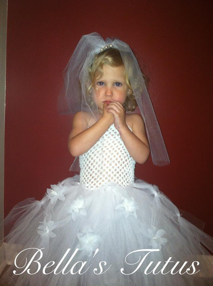 HOW MANY OF YOU.... just imagine your daughter's wedding day?! How cute would it be to get a picture of your little one in a TUTU WEDDING DRESS complete with veil?! Then one day when she gets married.... you can put a picture of her as a child in a gown next to her real wedding day picture?