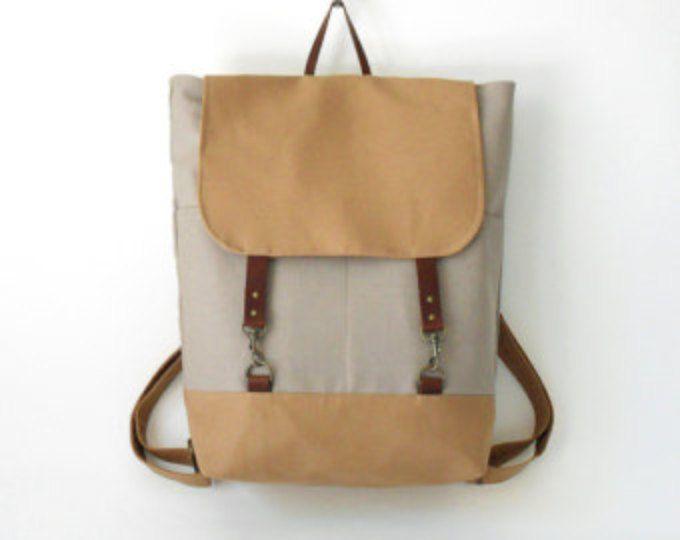 Graue Leinwand, Kamel Klappe Rucksack, Laptop-Tasche, Wickeltasche, Reisetasche. 2 Taschen vorne. 7 Innentaschen. Poly-Futter wasserdicht