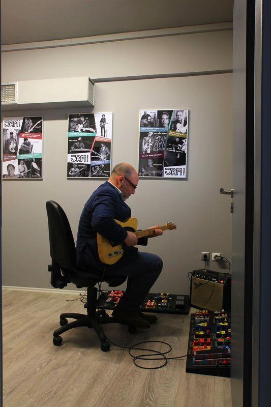 Adam Levy at the JAM pedals showroom ! #jampedals #showroom #workshop