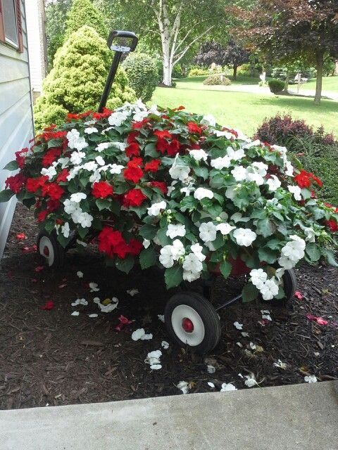 My Red Wagon Planter   So Pretty!