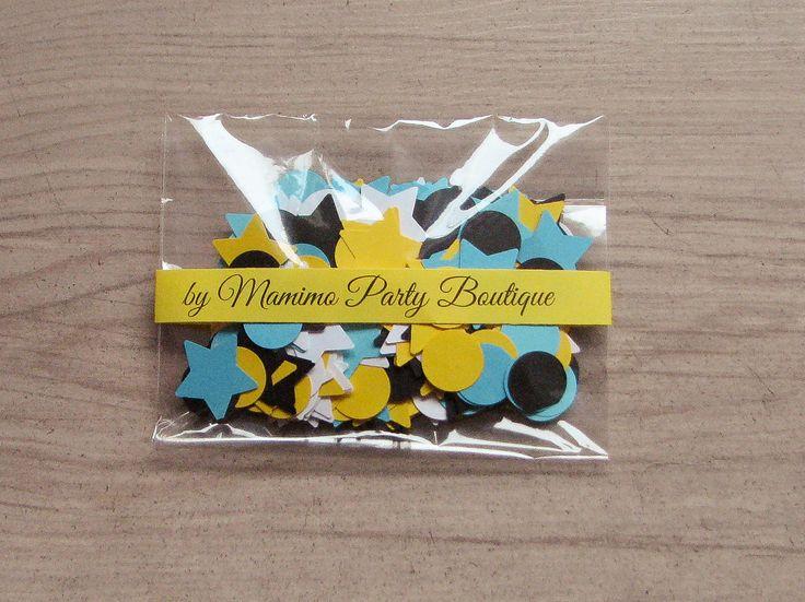 Confettirealizate manual din carton colorat in culorile petrecerii tematice Minions  Setul contine 400 de confetti stelute si cercuri in culorile galben, albastru, negru si alb