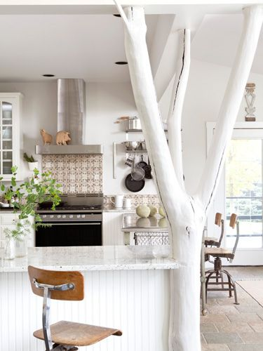 How great is this tree beam?! Love the whole look. #kitchens