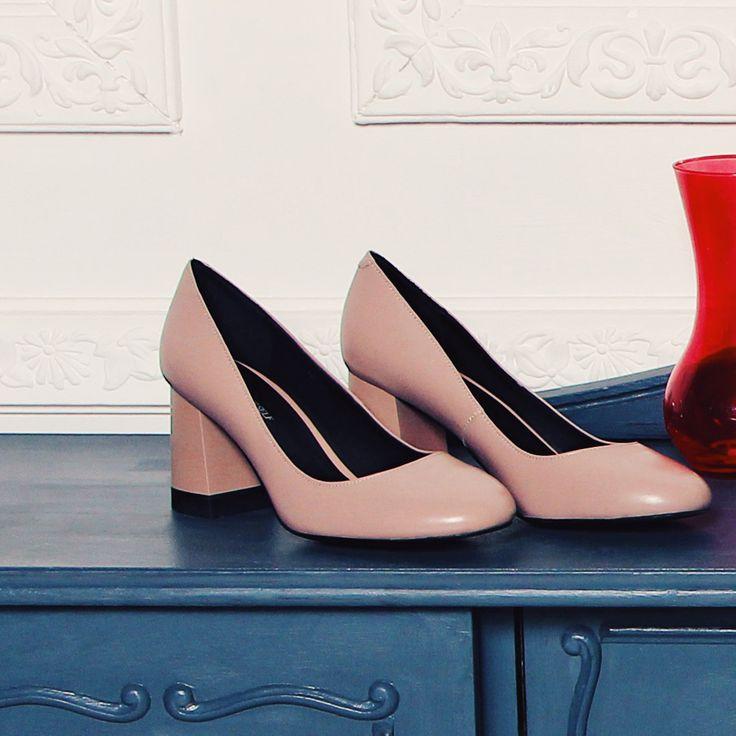 Повседневная обувь должна быть удобной☝ Наши стильные туфли на устойчивом каблуке подарят вам комфорт на целый день!❤️ Арт:IS75-093318/8 #respectshoes #iloverespect #shoes #ss17 #shopping #обувьреспект #шоппинг #мода #весна #веснавrespectshoes