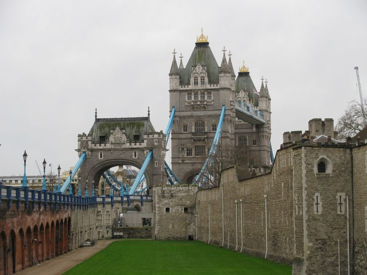 Tower of London + Bridge
