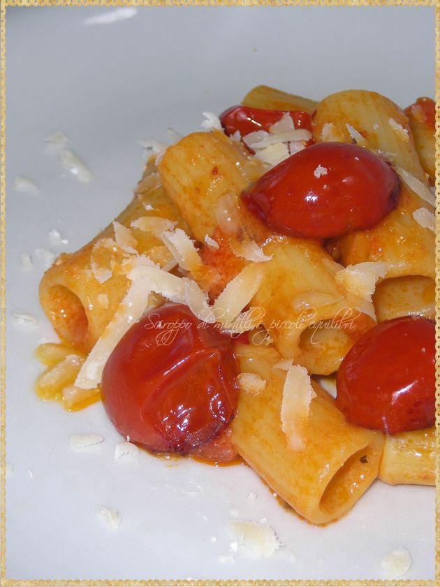 Millerighe con pomodorini e provolone