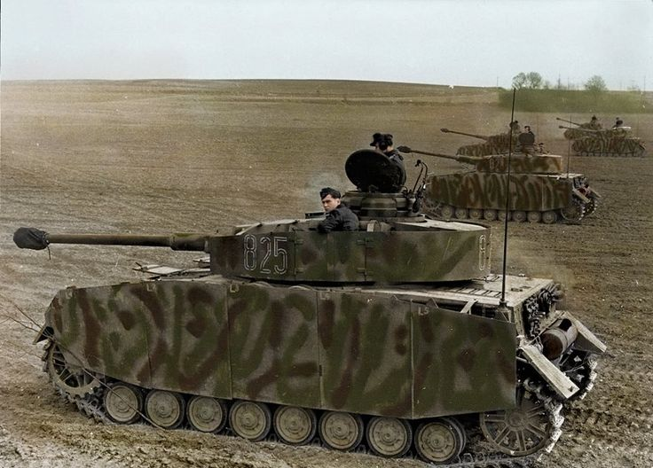 Colorized photo of Panzer IV ausf. H tanks in France, 1944