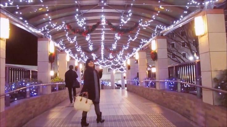 Celebrações de Natal no Japão decoradas com muitos  ornamentos de luzes