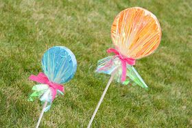 Glorious Treats: {How-to} Make Giant Lollipop Decorations
