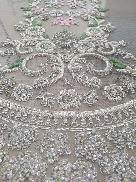 Grogeous beadwork and design.  Paint me a picture.  _ (mina_hasan_luxury_pret_april_2015_03)