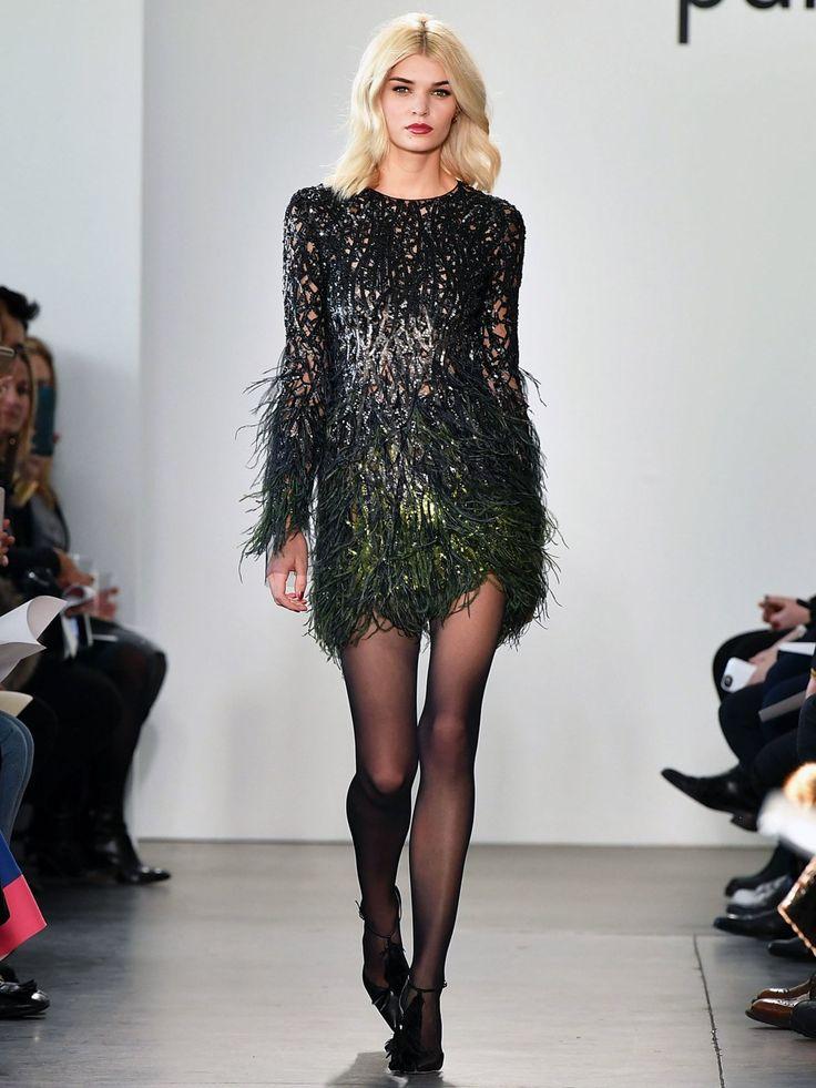 Um ein Haar wäre die GNTM Gewinnerin von 2012 in Vergessenheit geraten: Luisa Hartema lief während der New York Fashion Week für Pamella Roland. Die 1,80 m große Schönheit lebt aktuell in New York und steht unter anderem für DIE Modelagentur IMG Models unter Vertrag. Top!