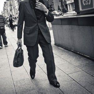 Scegli tra un'ampia selezione di Borse da Uomo, in Pelle o Materiale Sintetico, Cartelle da lavoro, Borsetti, Zaini Sportivi e Tecnici, Portafogli, Porta Tablet & Laptop, Portachiavi, Men's Bags & Wallets, Messenger Bags, Leather Bags, Backpacks, Bailhandle, Barrel Bags, Canvas Bags, Flight Bags, Satchels, Wash Bags, Tote Bags, Weekend & Holdall Bagsbusinness, per il lavoro e il tempo libero.