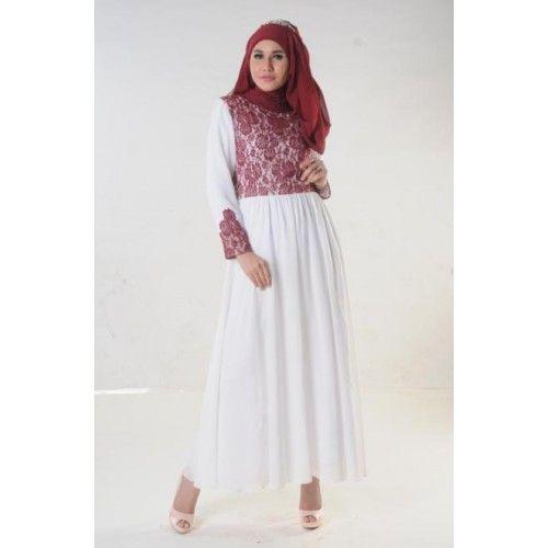 Gamis Putih nan Anggun dengan aksen Brukat merah dibagian dada dan lengan, Cantik untuk penampilan Anda.